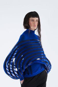 Ida Gro Christiansen_Look 1 3d Fashion, Modern Fashion, Fashion Details, Fashion 2017, Fashion Show, High Fashion, Fashion Design, Rocker Chic, Style Bleu