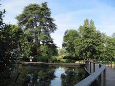JARDINS Parc de la Bouzaize à Beaune -Un parc du début du XXe siècle conçu à l'anglaise pour les promenades familiales.