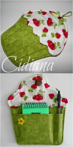 Cidiana: Handle and cupcake notebook- Cidiana: Manopla y porta notas cupcake Cidiana: Handle and cupcake notebook - Sewing To Sell, Love Sewing, Potholder Patterns, Sewing Patterns, Potholders, Crafts To Make And Sell, Diy And Crafts, Fridge Handle Covers, Sewing Hacks