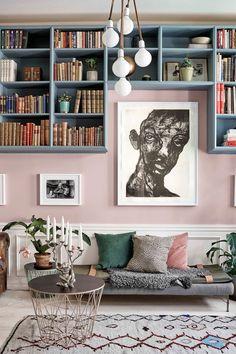 Décoration pastel dans un appartement - PLANETE DECO a homes world Cafe Interior, Interior Design Living Room, Interior Decorating, Boat Interior, Murs Pastel, Pastel Walls, Pink Walls, Room Wall Colors, Dark Interiors