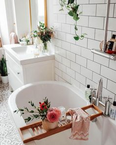 17 Best Ideas For Decorating Your Dream Bathroom Properly - Home Design - lmolnar - Best Design and Decoration You Need Bad Inspiration, Decoration Inspiration, Bathroom Inspiration, Interior Inspiration, Decor Ideas, Table Design, Bathroom Essentials, My Dream Home, Sweet Home