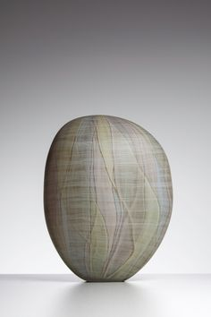 Inspired by experiences in the natural world for many years now, Clare Belfrage has forged an international reputation for her distinguished work with detailed and complex glass drawing on blown glass forms. Australian Painting, Meet The Artist, Natural World, Glass Art, Blown Glass, Inspiration, Garden, Events, Inspired