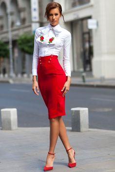 Afla ce camasi elegante nu trebuie sa lipseasca din garderoba unei femei cu adevarat stilate!