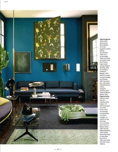 Mid Century Modern living room from Cote Paris decorating magazine. Bauhaus movement it is a style that influences design today.