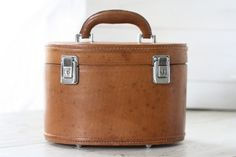 French vintage vanity case 50's. French leather par Passesimple