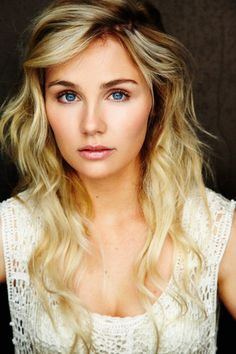 "Clare Bowen- great voice!  She needs to go back to the dark eyebrows and low-lights!  LOVE ""NASHVILLE"""