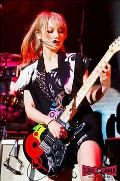 Scandal Japanese Band, Mami Sasazaki, Japanese Girl Band, Rock And Roll Girl, Bass, Women Of Rock, Girl M, Guitar Girl, Female Guitarist