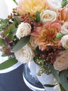 Wedding bouquets autumn centerpieces for 2019 Shoe Game Wedding, Wedding Games, Small Centerpieces, Fall Wedding Centerpieces, Trendy Wedding, Diy Wedding, Wedding Ideas, Autumn Wedding, Wedding Makeup