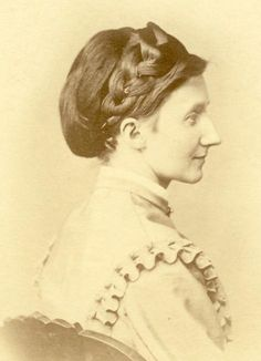 Vintage Hairstyles The Barrington House Educational Center, L. 1800s Hairstyles, Civil War Hairstyles, Historical Hairstyles, Victorian Hairstyles, Retro Hairstyles, Braided Hairstyles, Civil War Fashion, Ear Hair Trimmer, Civil War Dress
