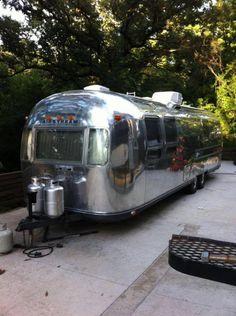 Airstream Travel Trailers, Camper Caravan, Vintage Campers Trailers, Trailers For Sale, Camper Trailers, Airstream For Sale, Vintage Airstream, Coach Travel, Airstream Renovation