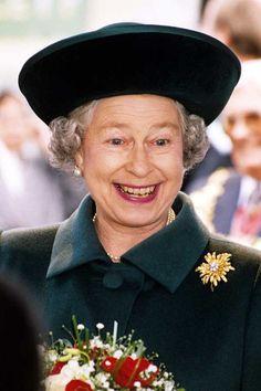 Queen Elizabeth II Style Retrospective: 1985