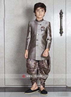 Indo western dress designs for Boys Ethnic Wear For Boys, Kids Indian Wear, Baby Boy Ethnic Wear, Kids Dress Wear, Dresses Kids Girl, Kids Outfits, Boys Party Wear, Kids Wear Boys, Boys Kurta Design