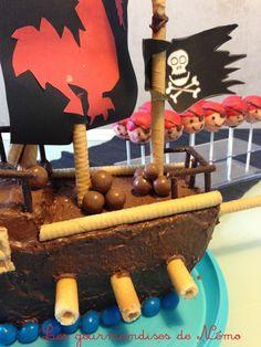 gateau bateau pirate gateau d'anniversaire garçon bateau pirate sans pâte à sucre