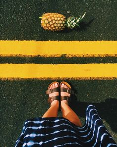 A pineapple a day keeps the worries away.   Pineapple wall paper. Summer wall paper. Cute pineapple picture.