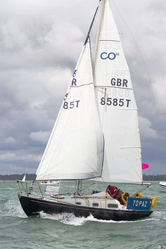 The Contessa 26 yacht 'Topaz' competing during Cowes Week.