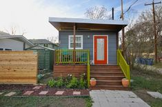 kanga 280 sq ft tiny home in the city 01 600x398   Kanga 14x20 Tiny House in the City  I really enjoy the Kanga designs. My only wish would be that the open shelving system in the kitchen look less cluttered. That would more closely match the clean exterior. Check it out!