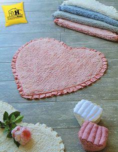 Tappeto Bagno Shabby Chic a forma di cuore con frill in colore rosa