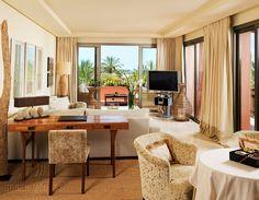 Suite Lounge 593