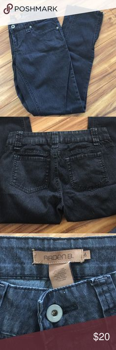 Arden B. Jeans Arden B. Jeans                                                        💟 Dark Denim                                                       💟 Light Weight and Very Comfortable                💟 Great Condition                                                💟 Side Zipper Feature at Bottom of Pant Leg    💟 76% Cotton, 22% Polyester and 2% Spandex Arden B Jeans Skinny