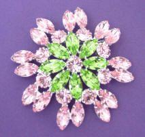 JP 252 Light rose and peridot rhinestone brooch