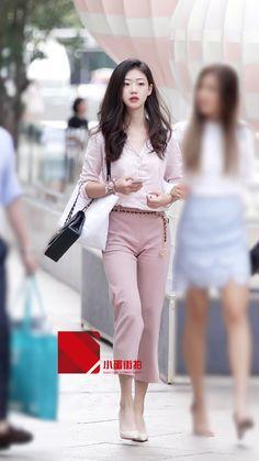 beauty lady Satin Underwear, China Fashion, Street Chic, Silk Satin, Lady, Beauty, Style, Swag, Street Style