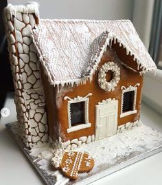 White Gingerbread House, Gingerbread Crafts, Gingerbread Village, Gingerbread Decorations, Gingerbread Cookies, Christmas Decorations, Valentine Cookies, Christmas Cookies, Christmas Love