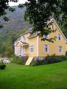 Een mooi houten huis in scandinavie stijl
