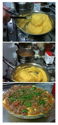 Polenta recheada com queijo e molho de carne com tomate. #schulpt