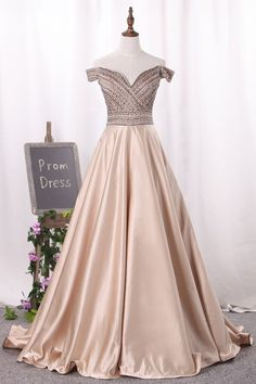 Prom Dress Beautiful, 2019 New Arrival Off The Shoulder Satin A Line Prom Dresses Beaded Bodice, Discover your dream prom dress. Our collection features affordable prom dresses, chiffon prom gowns, sexy formal gowns and more. Find your 2020 prom dress A Line Prom Dresses, Junior Bridesmaid Dresses, Prom Dresses Tumblr, Chiffon Dresses, Club Dresses, Fall Dresses, Long Dresses, Homecoming Dresses, Rosa Satin
