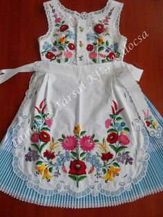 Hungarian Embroidery, Creative Embroidery, French Knots, Quilted Jacket, Hand Stitching, Baby Dress, Indian Fashion, Embroidery Patterns, Needlework