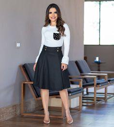 🍃🍂🍁Saia Ester Preta 🍁🍂🍃 Saia com cós largo com detalhes em botões personalizados.Saia com recortes. . Disponível na Cor Preta 👗Tamanhos PP… Blouse And Skirt, Blouse Dress, Dress Skirt, Dress Up, Modest Outfits, Modest Fashion, Dress Outfits, Fashion Outfits, Cute Church Outfits