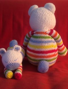 Knuffel beer. Vraag de knuffel of het patroon via fb JeanieHugs.