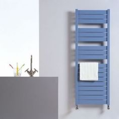Купить конвектор для отопления дома Дизайн-радиатор Jaga Sani Basic Артикул: SBAW0.094050.001/18 Вы можете использовать дизайн-радиатор в качестве основного источника тепла, обогревающего всю комнату, или модель меньшего размера для сушки и согревания полотенец