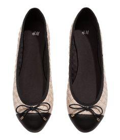 H&M Ballet pumps beige Rp349.900