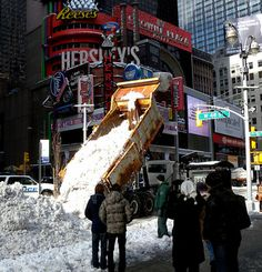 #NYStatePolice drug bust gives new meaning to #WhiteChristmas in #TimesSquare    #examinercom