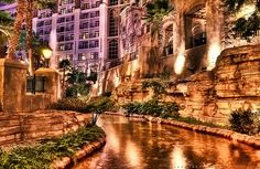The Gaylord Texan Resort in Grapevine looks like it belongs overseas! Who knew we had this in Texas?