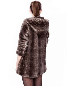 :HOODED COAT WITH FUR DETAIL