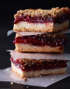 Plum Vanilla Crumble Bars Recipe. The perfect dessert for a fall afternoon.