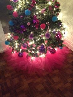 Love the tulle wlights for tree skirt its very dressy though hot pink christmas tree skirt for 2 tree solutioingenieria Choice Image