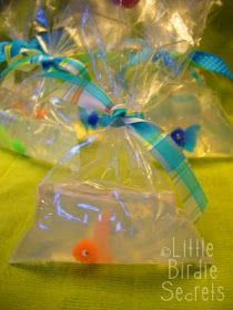 Fish in bags of soap, how cool? Just melt clear soap in the microwave, poor into bags, using chopsticks add the plastic fish into the soap then dip bag into ice cold water to harden. Must try : )