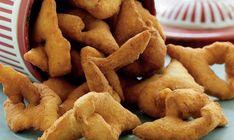 Når klejnerne koges, bliver der for alvor julestemning. Bread Recipes, Snack Recipes, Gingerbread Cookies, Christmas Time, Food And Drink, Favorite Recipes, Sweets, Baking, Desserts
