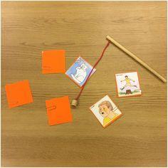 Vi får ofta uppgifter från bla logoped som barnen ska träna på, här gör vi uppgiften genom att fiska korten. Den här uppgifter tränar verb, pojken gråter osv. Det gör det mer lustfyllt och då ökar motivationen. #förskola #lpfö98 #språkträning #språkutveckling #fiska#utvecklingochlärande#logoped