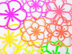 Want to try this!! Omiyage Blogs: DIY: Neon Kirigami Flowers