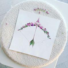 Флористические лук и стрела By Pis Saro https://www.instagram.com/pissaro_tattoo/
