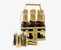 Der ideale Werbeartikel für den Eventbereich: diese Trinkaufsätze werden einfach auf die Piccolo Flaschen mit Champagner oder Prosecco aufgesetzt und schon ist Ihr Promotiondrink trinkfertig.