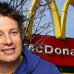 """Le chef hamburger Jamie Oliver prouve que les hamburgers de McDonalds sont """"impropres à la consommation"""""""