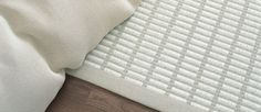 Woodnotes' New York paper yarn carpet col. stone -white with wide edging. Rugs On Carpet, Carpets, New York Papers, Nice Things, Beach House, Ikea, Range, Pure Products, Dreams