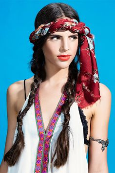 Festival season is in full swing and we've got major for Coachella-ready hair! Festival trends come and go for each generation, but. Coachella Hair, Coachella Looks, Pigtail Braids, Hair Plaits, Parting Hair, Festival Trends, Braided Scarf, Hot Hair Styles, Festival Hair