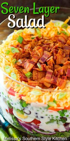 This scrumptious Seven Layer Salad is the ideal accompaniment to any meal # Food and Drink salad Seven Layer Salad Best Salad Recipes, Salad Dressing Recipes, Healthy Recipes, Seven Layer Salad Dressing Recipe, 7 Layer Salad, Vegetable Salad Recipes, Salad Dressings, Easy Salads, Summer Salads