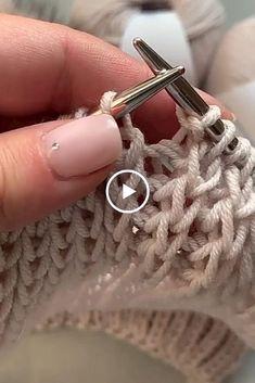 Elegant and easy knitting pattern Knitting Stiches, Easy Knitting Patterns, Knitting Videos, Crochet Videos, Knitting Designs, Crochet Patterns, Diy Crafts Knitting, Diy Crafts Crochet, Herringbone Stitch Tutorial